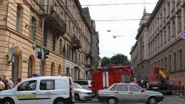 Правоохоронці Львова перевіряють інформацію про замінування на вул. Словацького