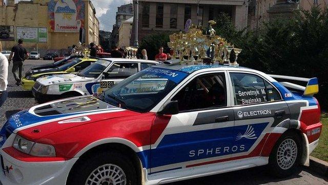 У Львові організували виставку спортивних автомобілів