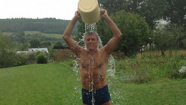 Ректор «Львівської політехніки» у рамках Ice Bucket Challenge облився крижаною водою
