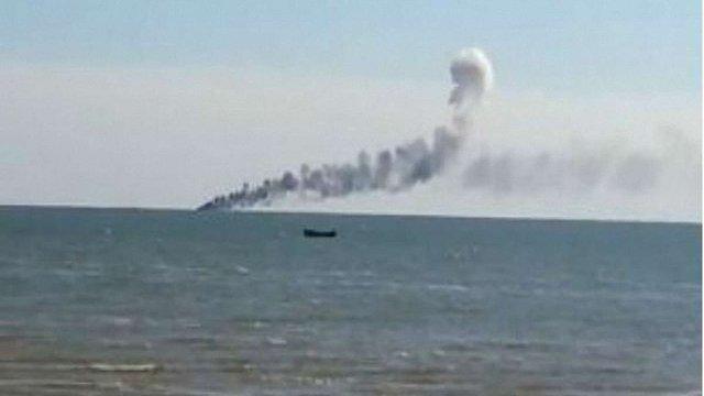 В Азовському морі обстріляли катери українських прикордонників, є загиблі і поранені (відео)