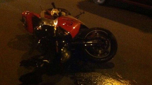 У Львові мотоцикліст на смерть збив молоду дівчину