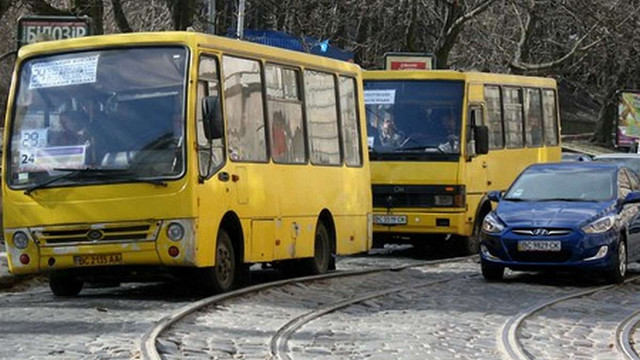 У Львові суд скасував підвищення вартості проїзду у маршрутках до ₴3