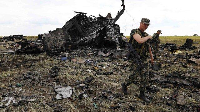 В рамках розслідування аварії Іл-76 в аеропорту Луганська допитано більше 130 свідків, - прокуратура