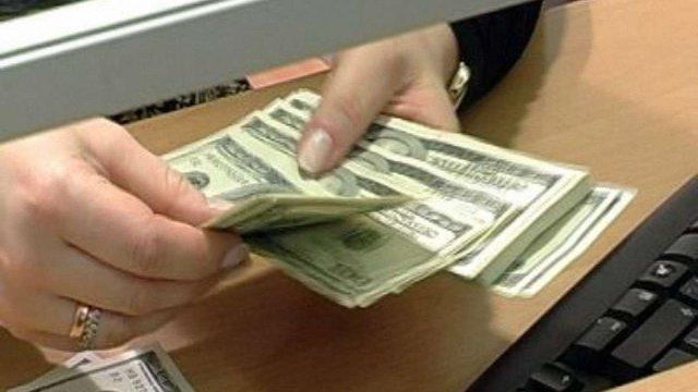 Банкіри погіршили прогнози щодо курсу долара до 14 грн