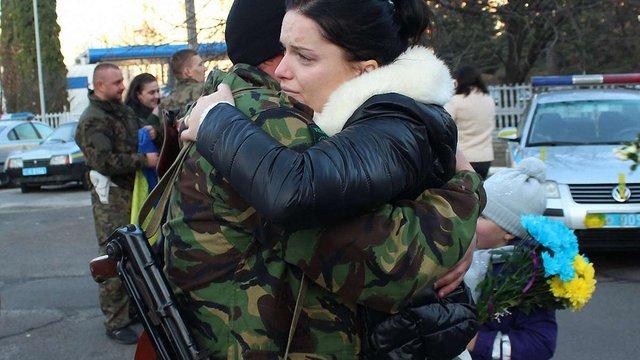 ДАІвці Львівщини цілі та неушкоджені повернулися із фронту додому