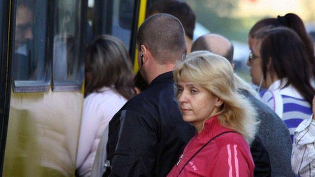 У Львові під час руху з автобуса випали двоє пасажирів
