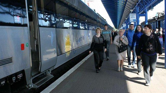 З 29 листопада до Львова курсуватимуть три додаткові поїзди