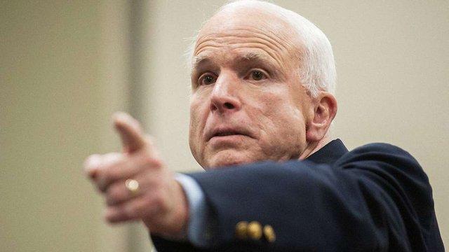 Маккейн розкритикував Обаму і назвав його винним у смерті тисяч українців