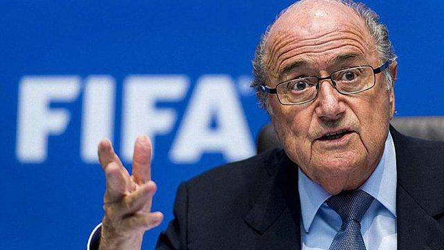 Президент FIFA Зепп Блаттер утримується від візитів до США, побоюючись ФБР