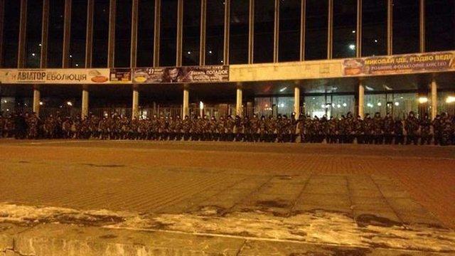 Активісти в Києві знову намагаються зірвати концерт Ані Лорак