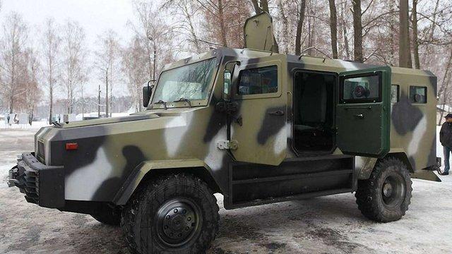 Військові випробували новий броньовик KOZAK