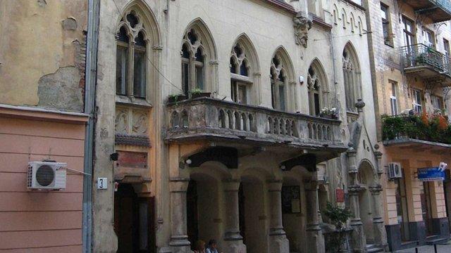 В театрі Леся Курбаса в центрі Львова згоріло горище і частина даху