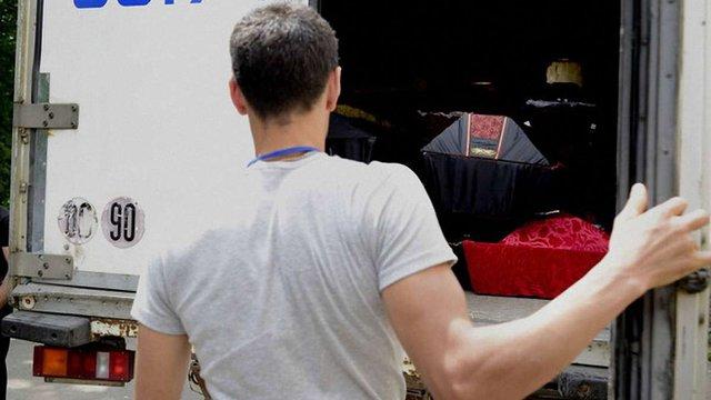 З Горлівки та Донецька вивезли п'ять вантажівок з трупами бойовиків і військових РФ