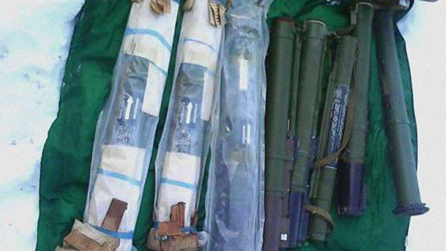 У Донецькій області виявили та вилучили склад зброї бойовиків ДНР, - СБУ
