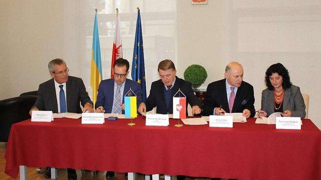 25 студентів львівських вишів стажуватимуться у провідних фірмах Польщі