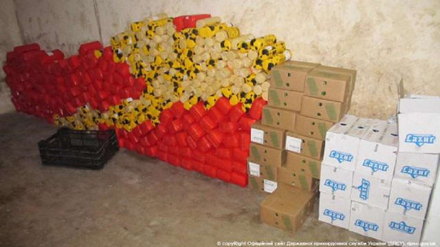 У «Раві-Руській» впіймали українця, який намагався перевезти із Польщі понад тонну сиру