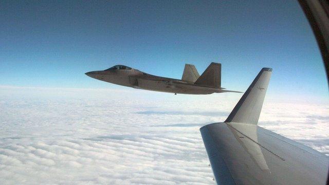 У небі над Швецією російський військовий літак ледь не зіштовхнувся з пасажирським