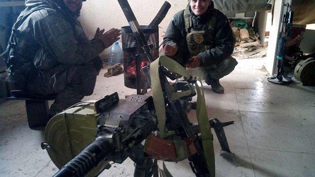 """Бійці 93-ї бригади вимагають звільнення капітана, який привітався з терористом """"Моторолою"""""""