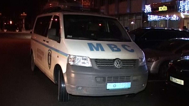 У центрі Києва невідомий намагався підірвати гранатою депутатів і віце-спікера