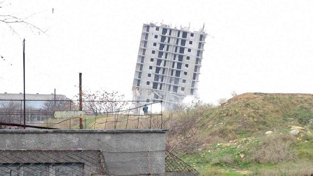 Московська фірма з третьої спроби намагається підірвати 16-поверхівку у Севастополі