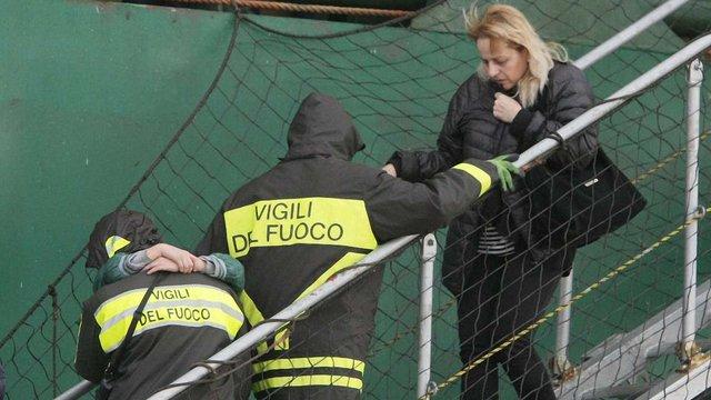 Завершено евакуацію порома, що загорівся в Адріатиці