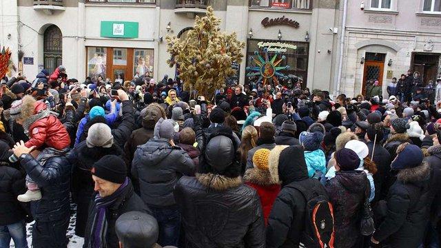 У Львові встановили різдвяного дідуха