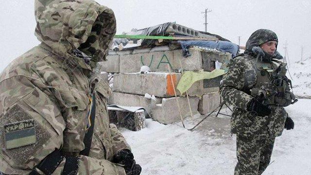 Терористи за день 16 разів обстріляли позиції українських бійців, - штаб АТО