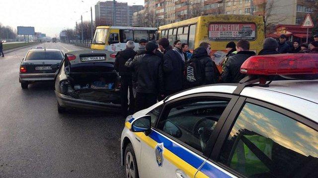 У Львові майже одночасно трапилося дві ДТП – травмувалося четверо людей
