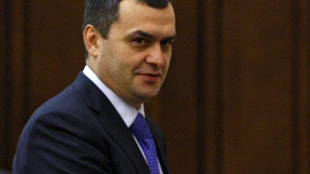 Екс-голова МВС України Захарченко похвалився, що отримав російський паспорт