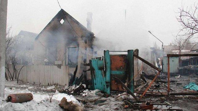 Внаслідок обстрілу терористами Дебальцевого загинуло троє осіб, в тому числі дитина (фото)