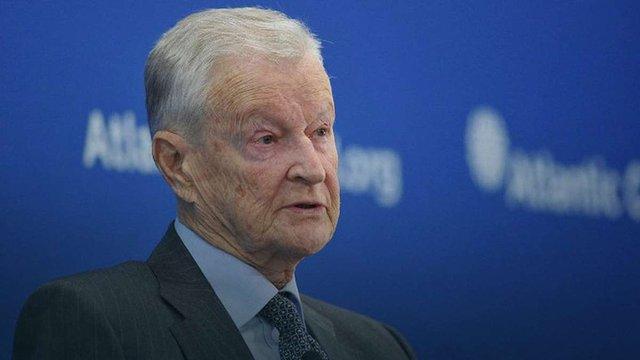 Збігнєв Бжезинський закликав країни Заходу надати Україні зброю оборонного характеру
