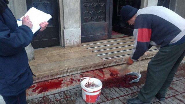 Чоловік, який облив кров'ю львівську прокуратуру, пояснив свої мотиви