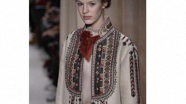 Valentino показав вишиванки на Тижні моди у Парижі