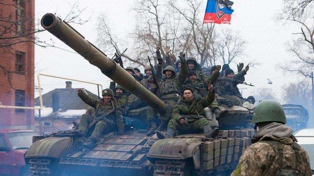 Українські опорні пункти у Вуглегірську оточені бойовиками, - Семенченко