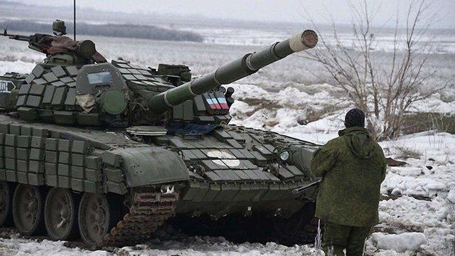 """Місія ОБСЄ відзвітувала про рух """"нерозпізнаних"""" танків на території ДНР"""