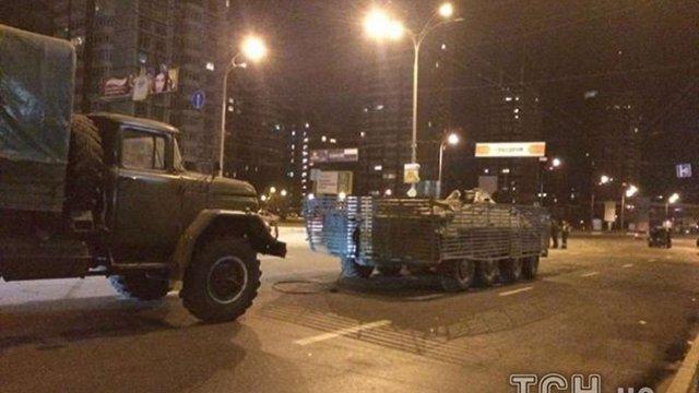 У Києві вночі сталася ДТП за участю БТР