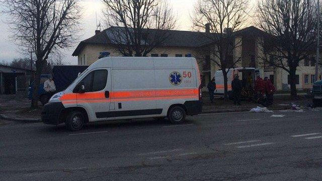 У Львові на пішохідному переході вантажівка збила двох людей