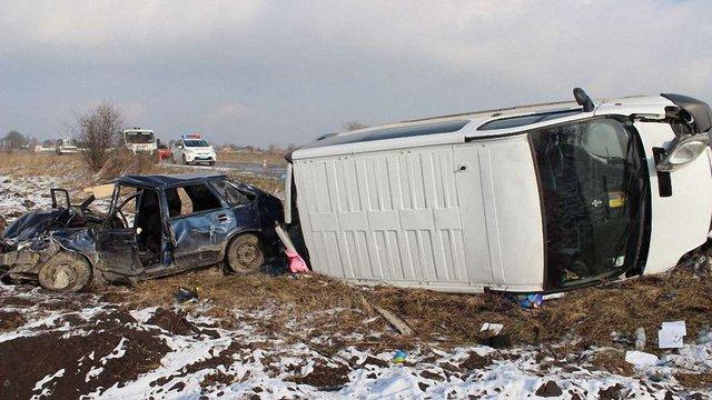 Біля Городка зіткнулися авто: на місці загинула 57-річна жінка та постраждав 2-річний хлопчик