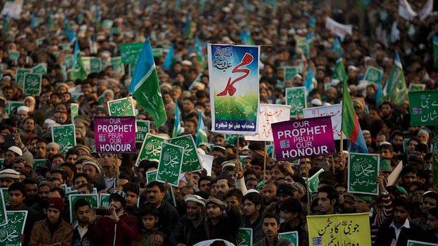 Пакистанський політик оголосив нагороду за вбивство власника Charlie Hebdo