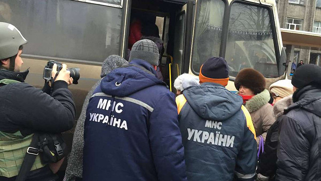 З Дебальцевого сьогодні евакуювали 600 людей