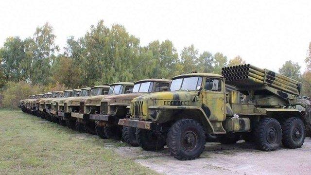 Уряд затвердив рекордне держзамовлення на зброю і техніку за всю історію України