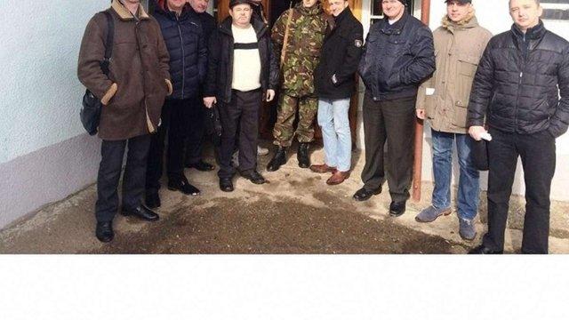 У Трускавці опозиційних до мера депутатів міськради хочуть відправити на війну