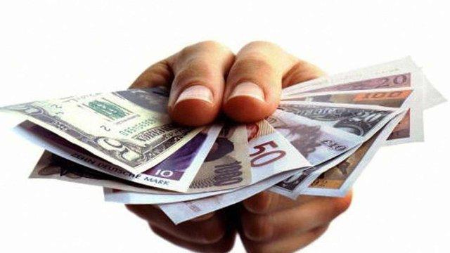 Меморандум щодо переведення валютних кредитів у гривневі вже підписали 13 банків