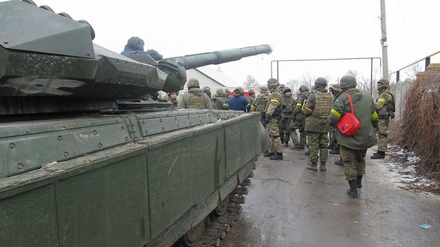 Біля Маріуполя тривають танкові бої, - полк «Азов»