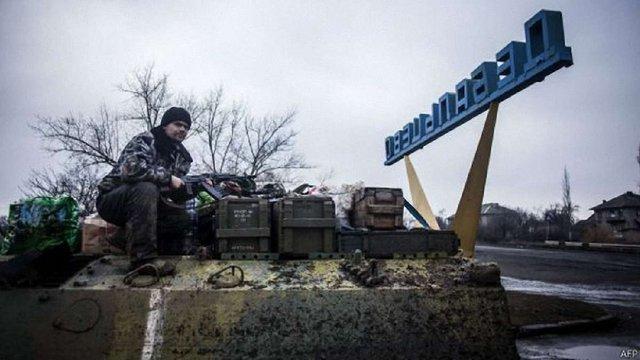 Під час виходу із Дебальцевого загинули 13 українських військових, ще 157 були поранені