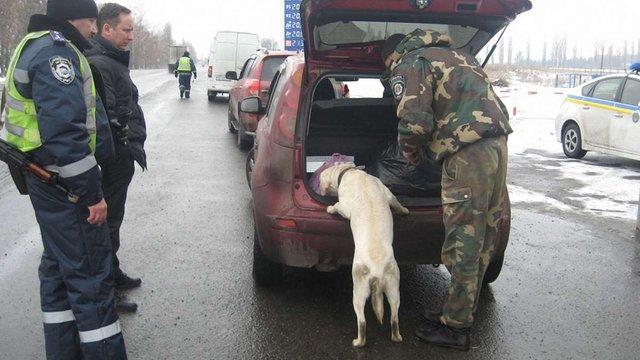 На Полтавщині посилено перевірку автотранспорту на постах ДАІ