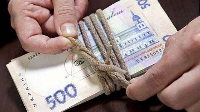 НБУ заборонив видавати гривневі кредити для купівлі валюти