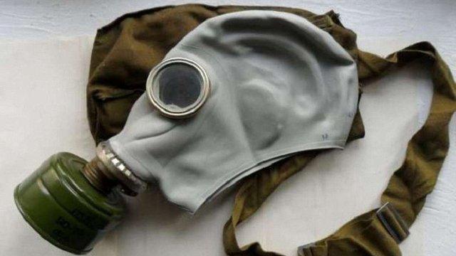 На Донеччині правоохоронці виявили понад 5 тис. комплектів протигазів