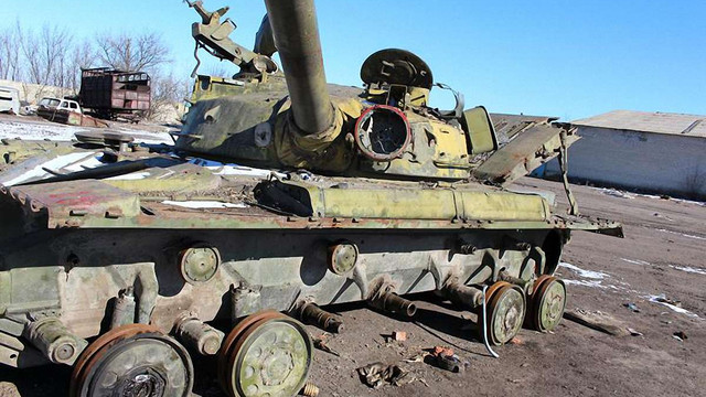Корпуси захопленої бронетехніки РФ переплавлятимуть на дитячі гойдалки та каналізаційні труби