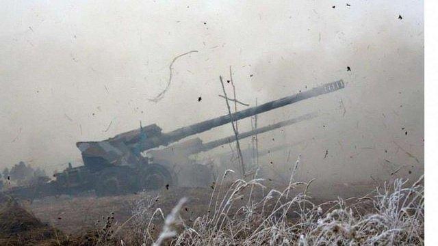 Україна почала відводити важкі озброєння від лінії зіткнення